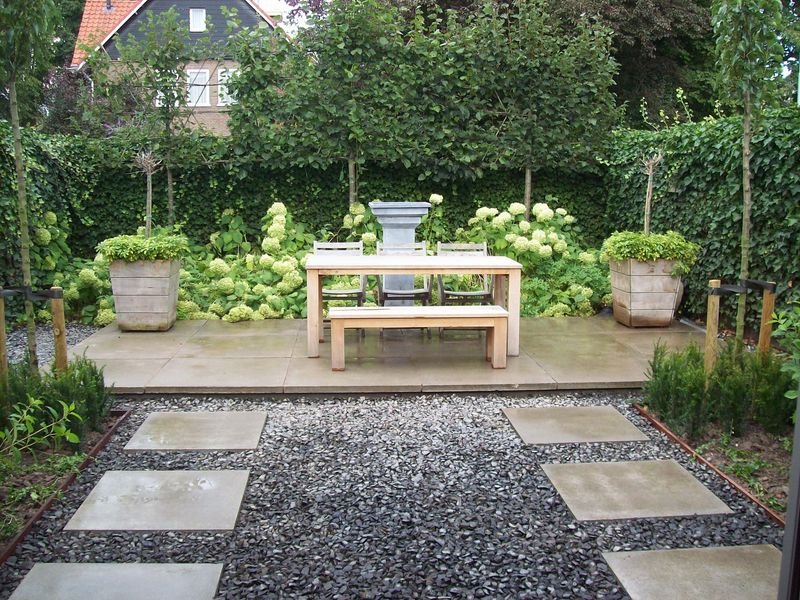 onderhoudsvriendelijke tuin ideeen landelijk en buxus